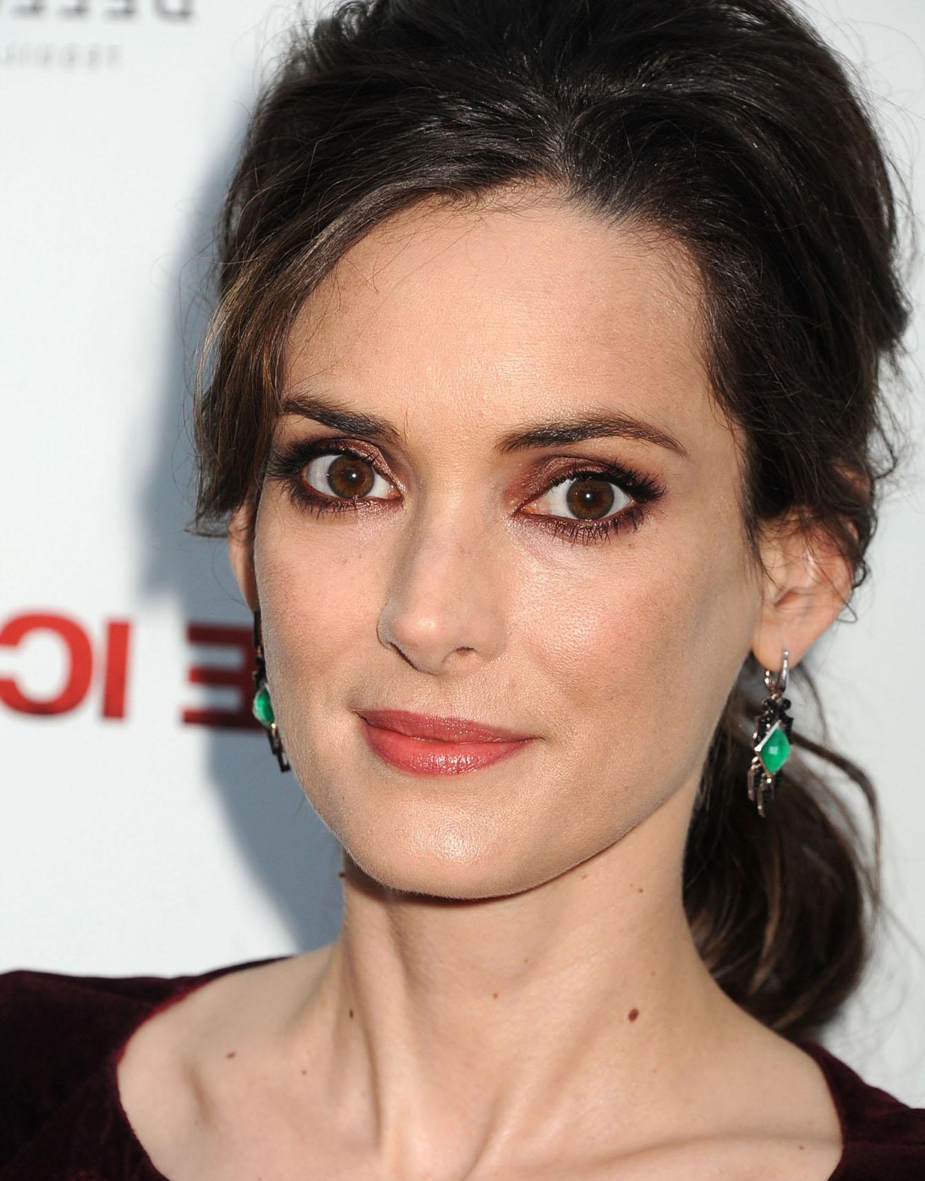 [PICS] Movie Actress W...