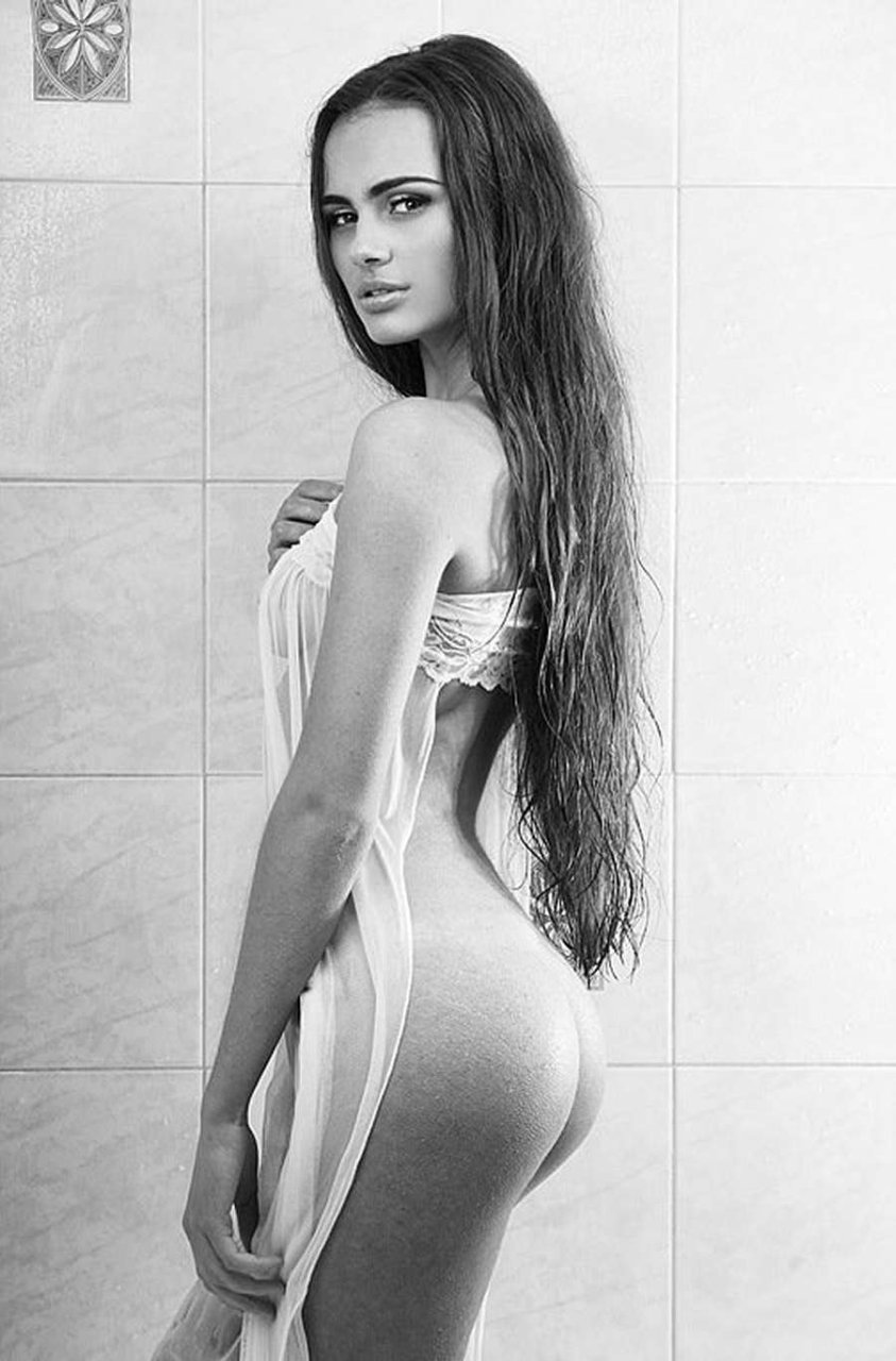 Model nude boobs