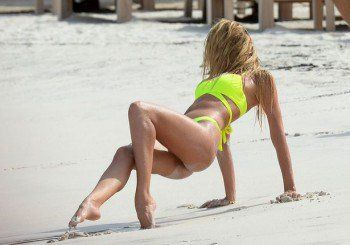 Candice Swanepoel pussy pic