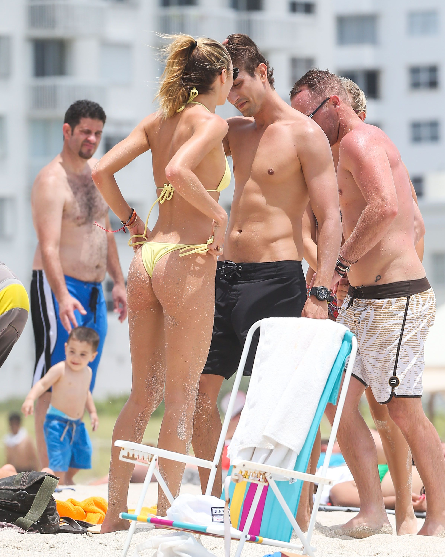 Candice Swanepoel hot