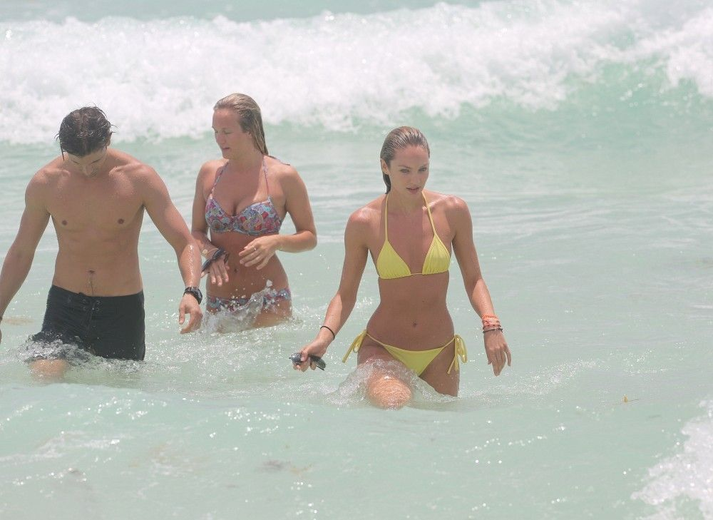 Candice Swanepoel nude photos