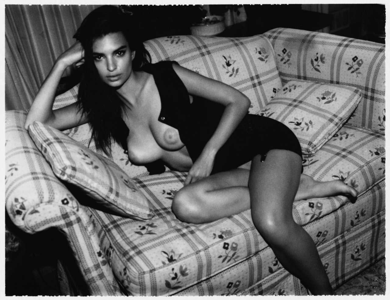 Emily Ratajkowski leaked nude