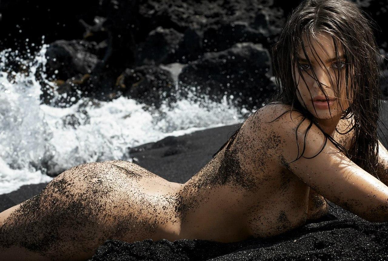 Emily Ratajkowski sexy leaks