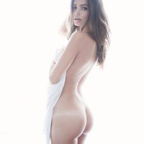 Emily Ratajkowski slip