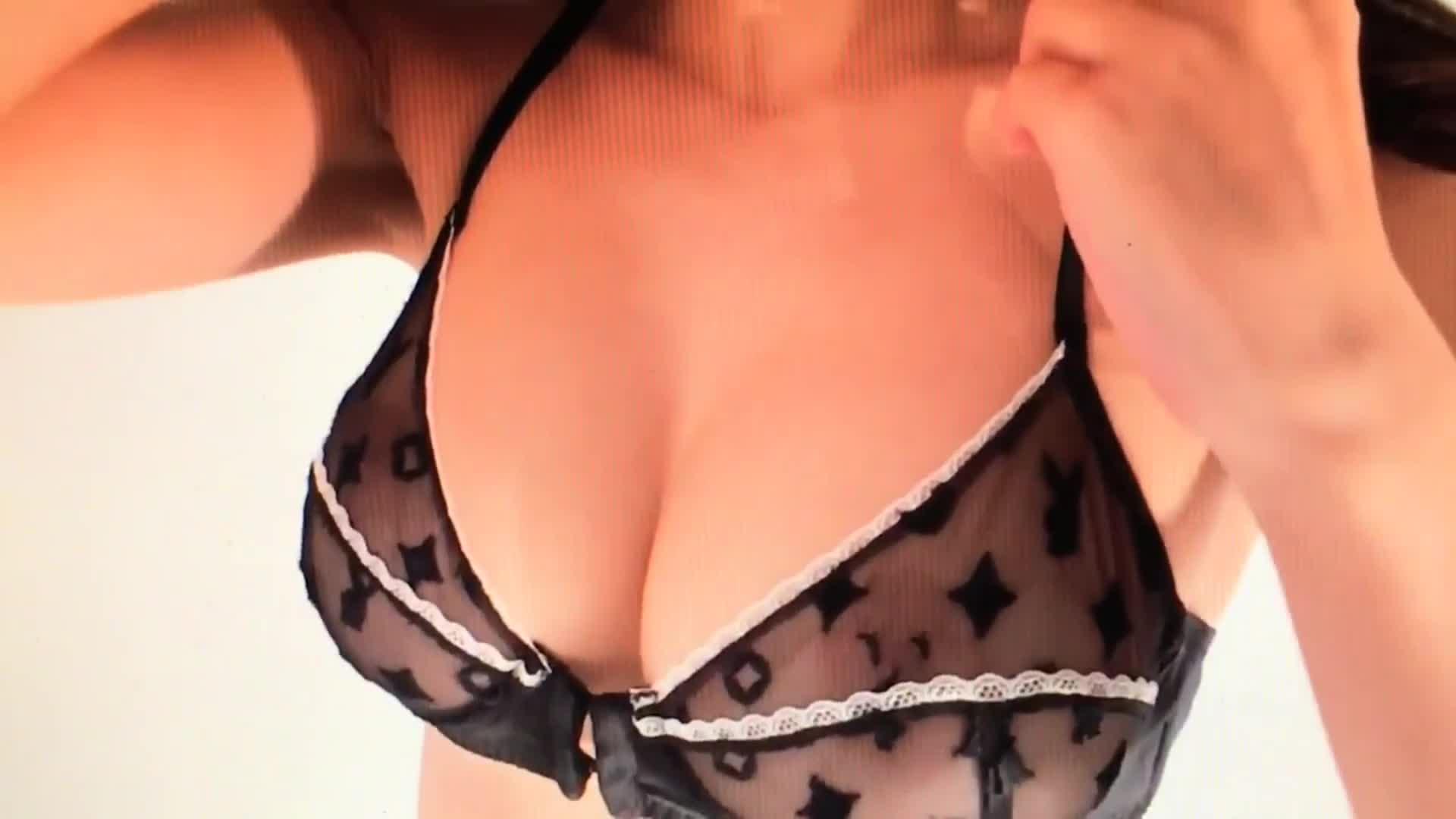 Emily Ratajkowski vagina