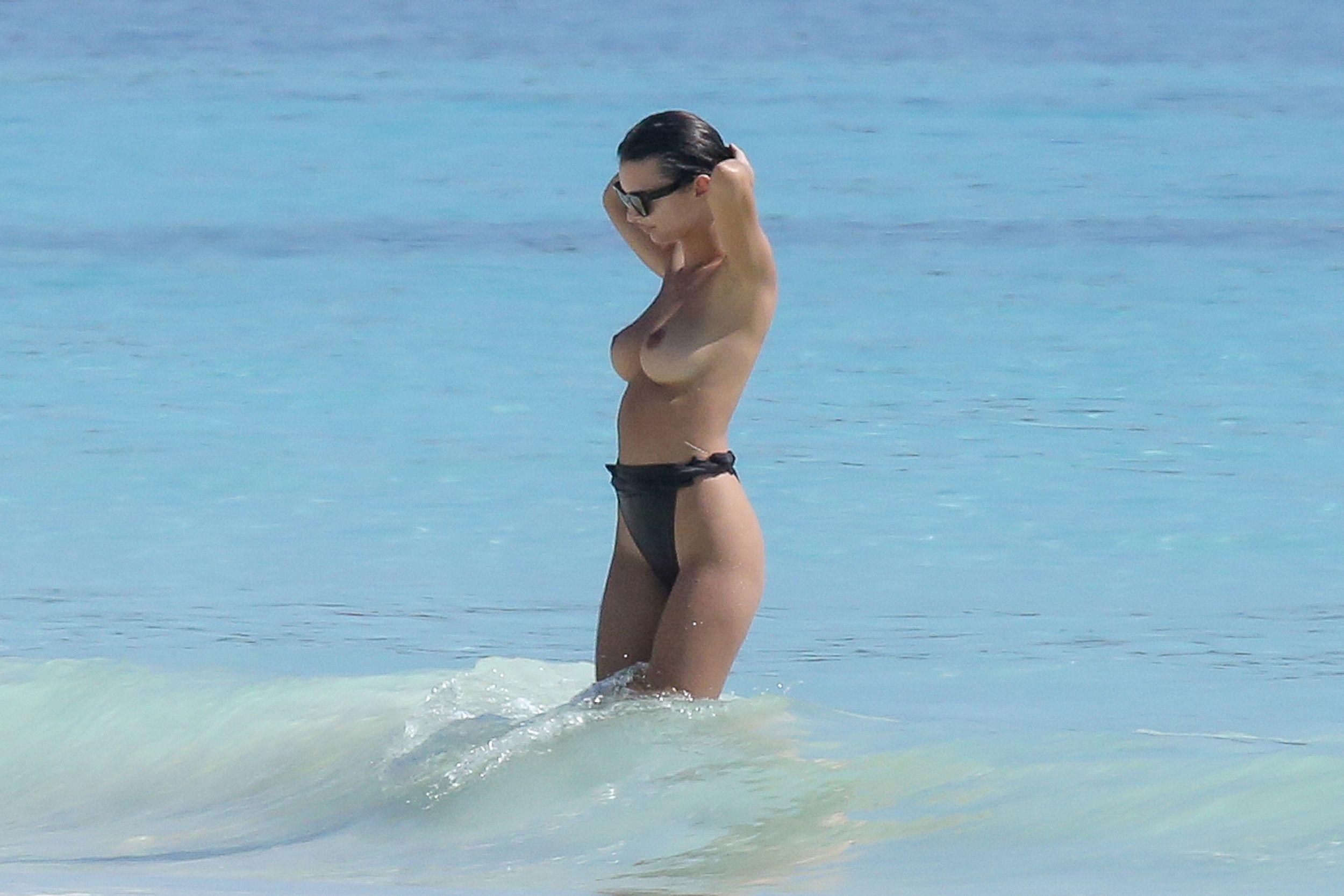 Emily Ratajkowski big boobs