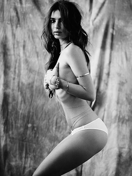 Emily Ratajkowski tits