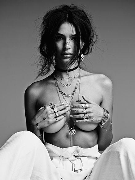 Emily Ratajkowski naked boobs