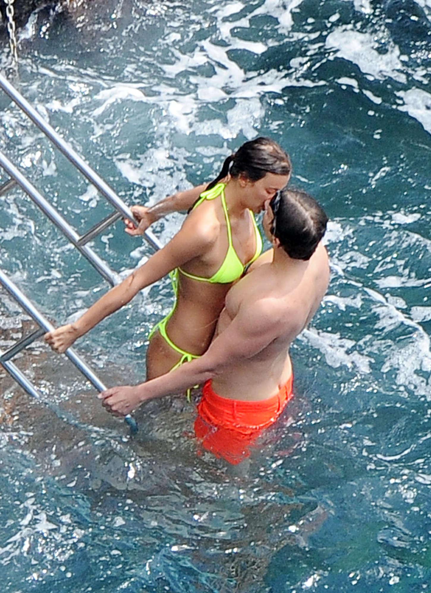 Irina Shayk topless