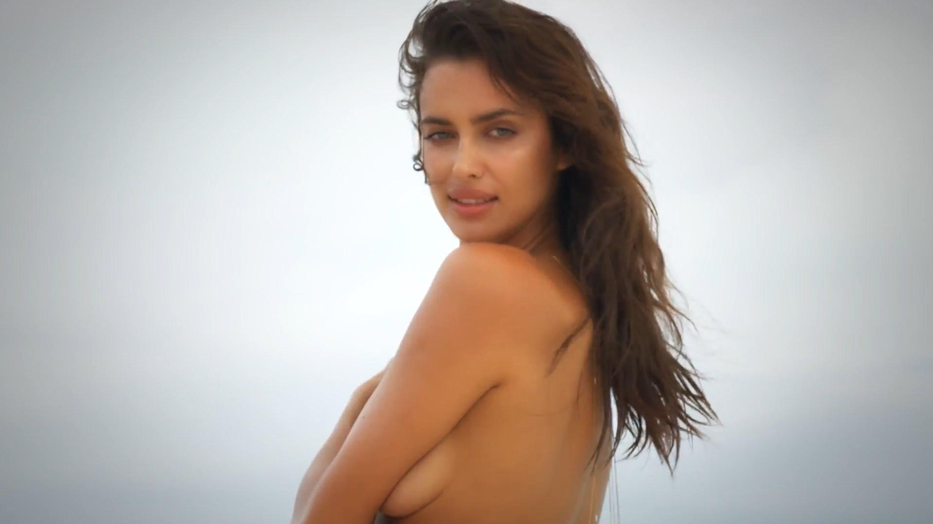 Irina Shayk naked