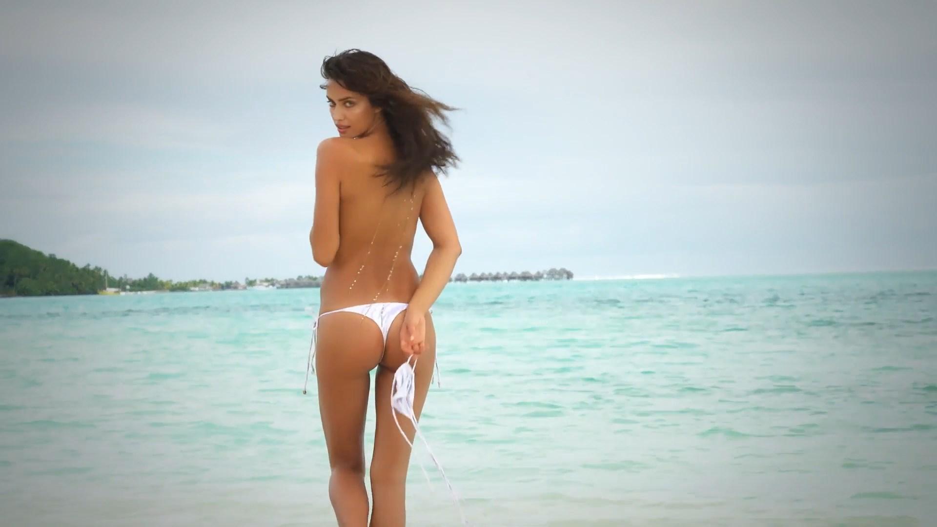 Irina Shayk nipples exposed