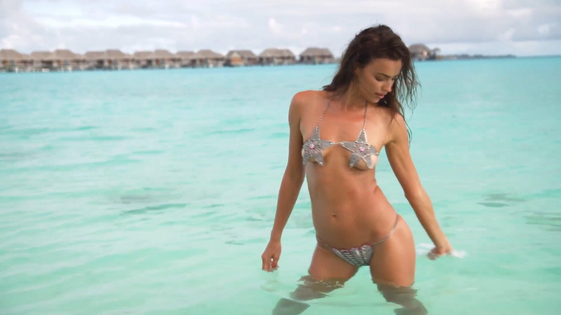 Irina Shayk pussy showing