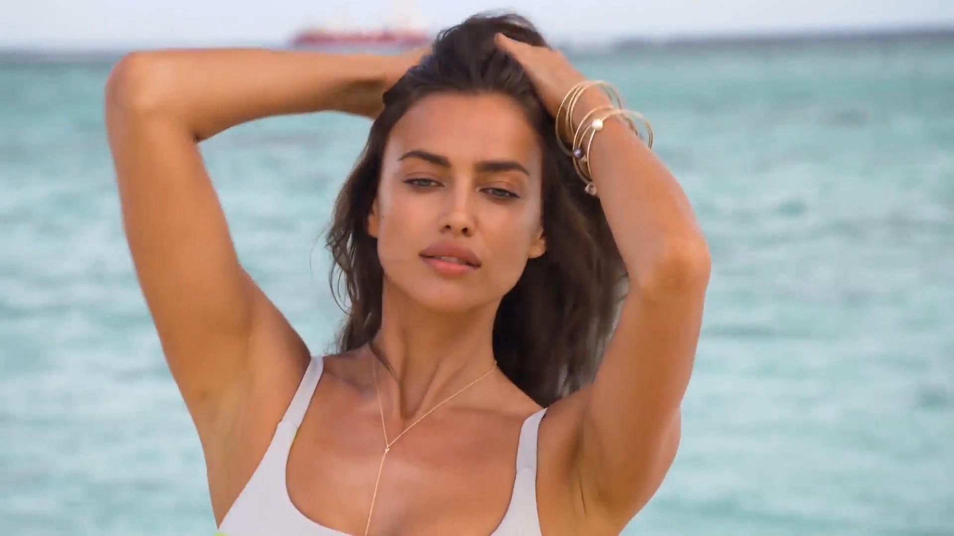 Irina Shayk boobs