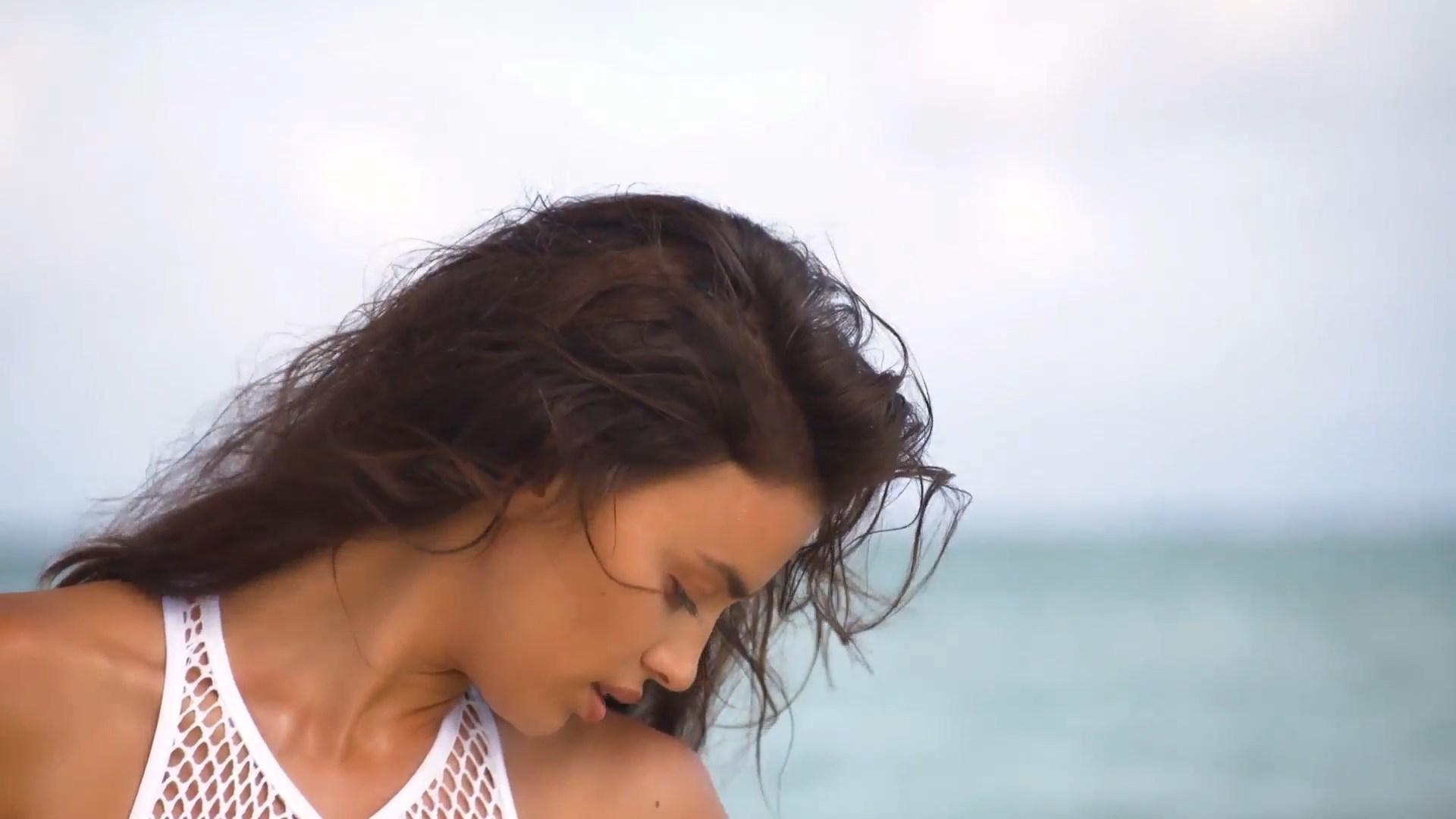 Irina Shayk tits