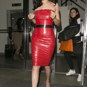 Kylie Jenner leaked naked pics