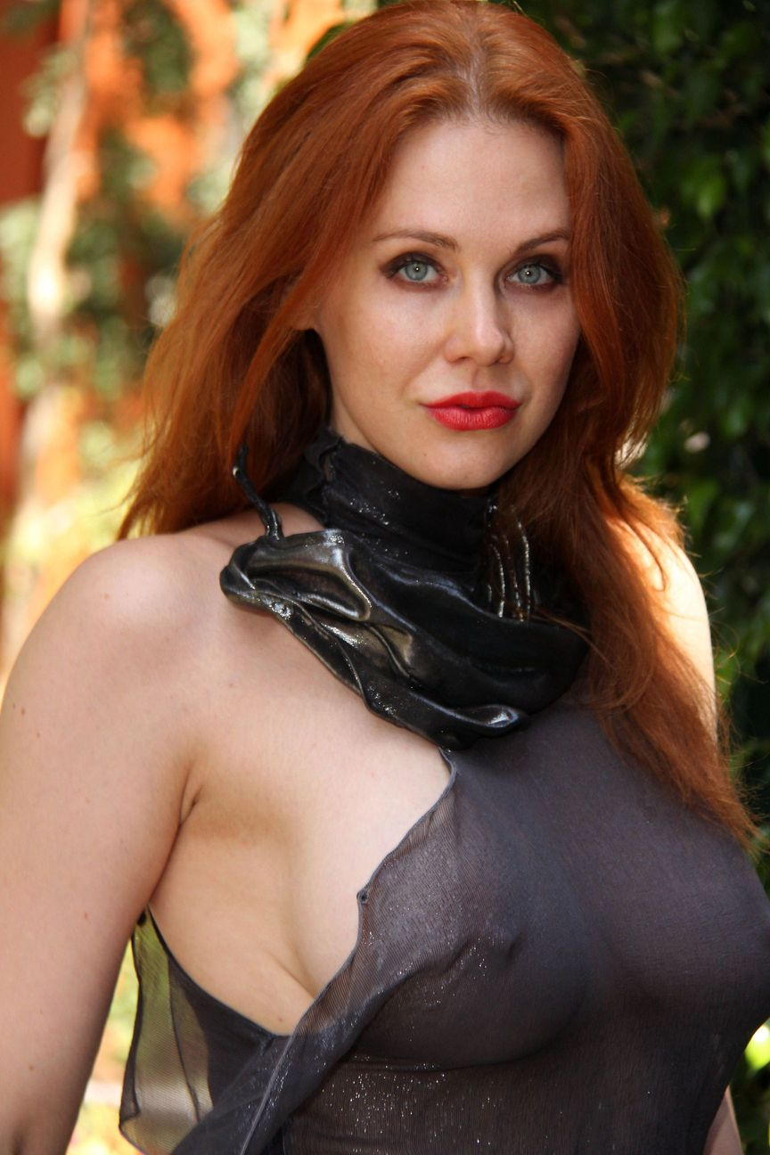 Maitland Ward pussy showing