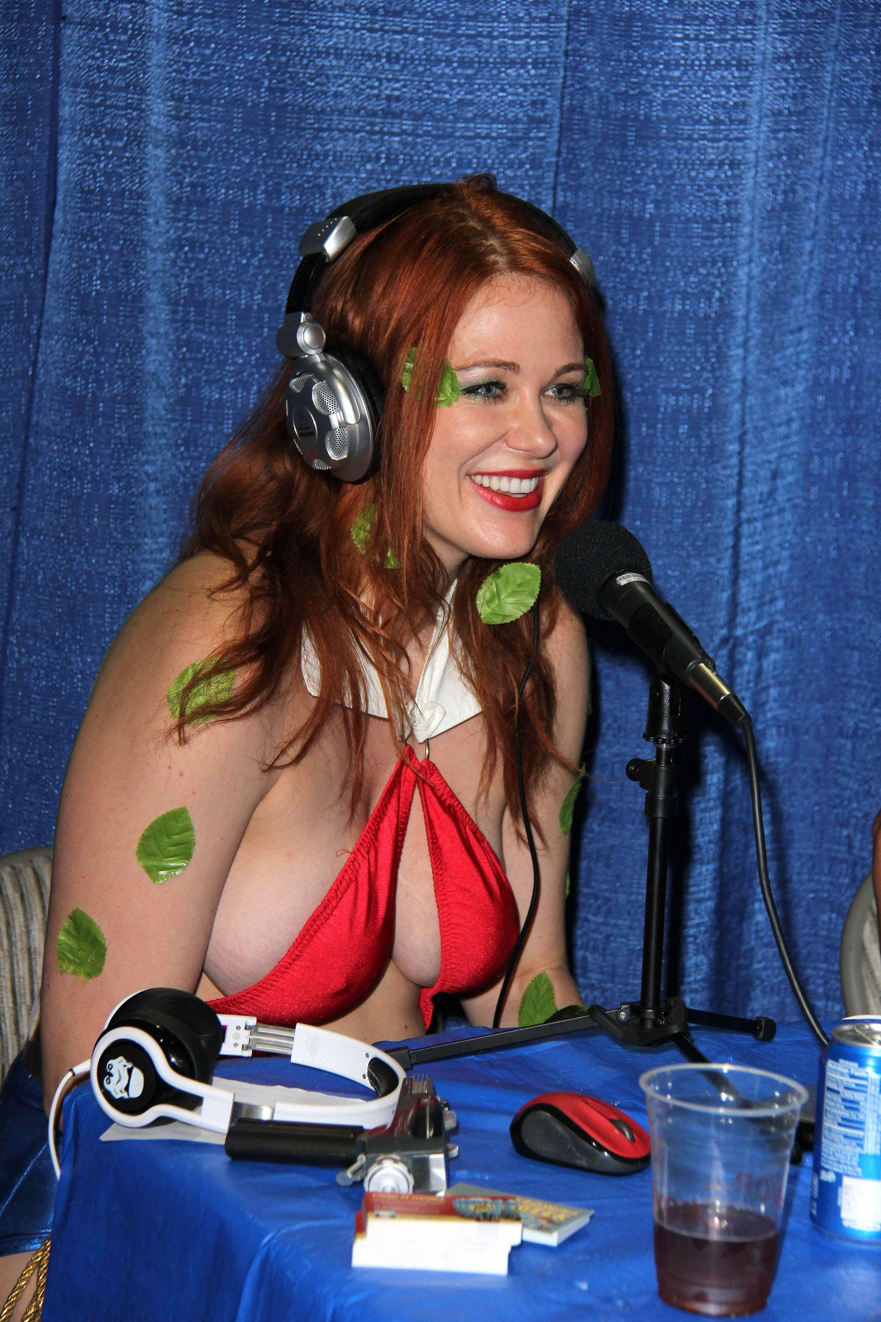 Maitland Ward hot boobs