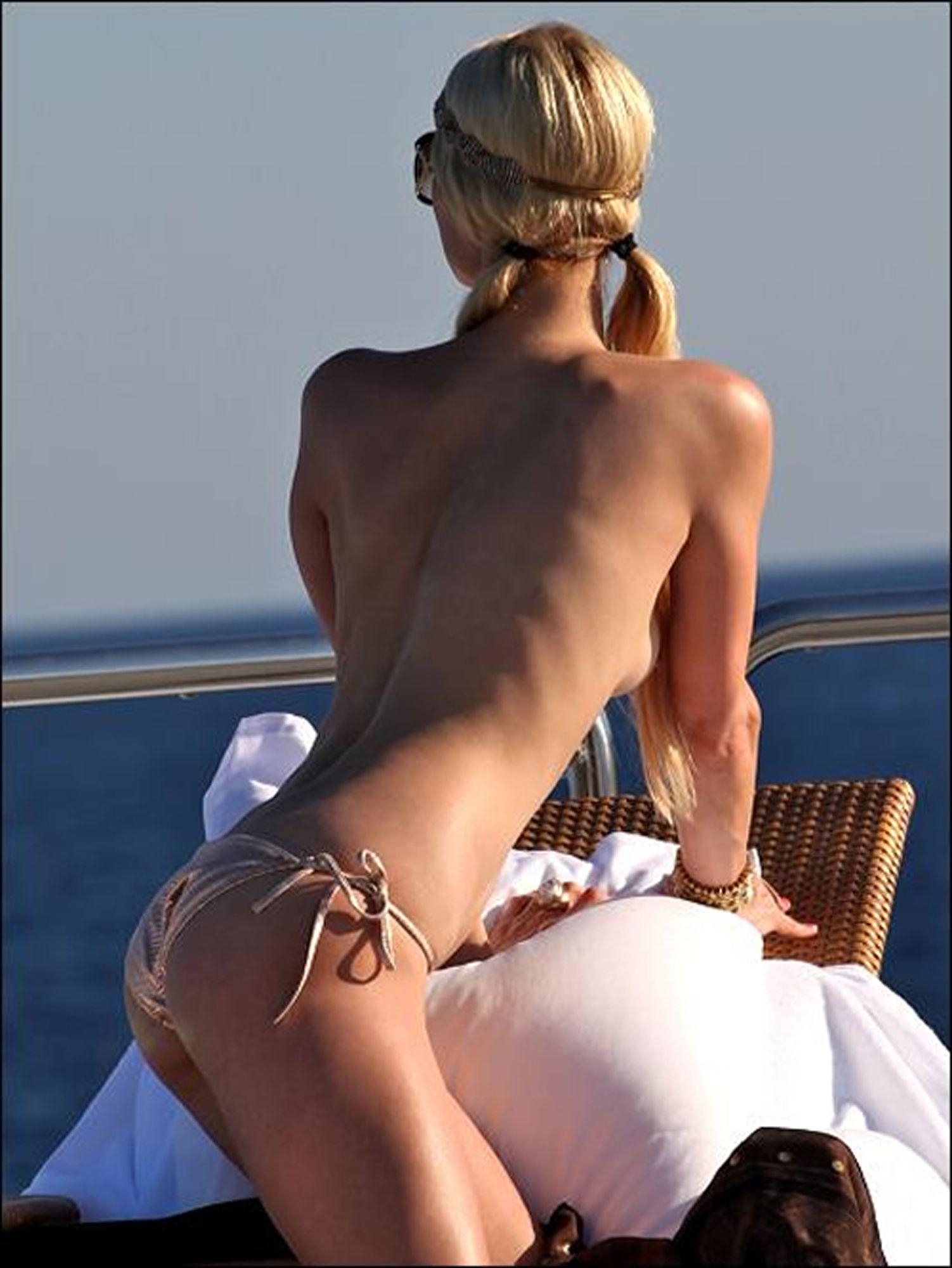 Paris Hilton sexy leaks