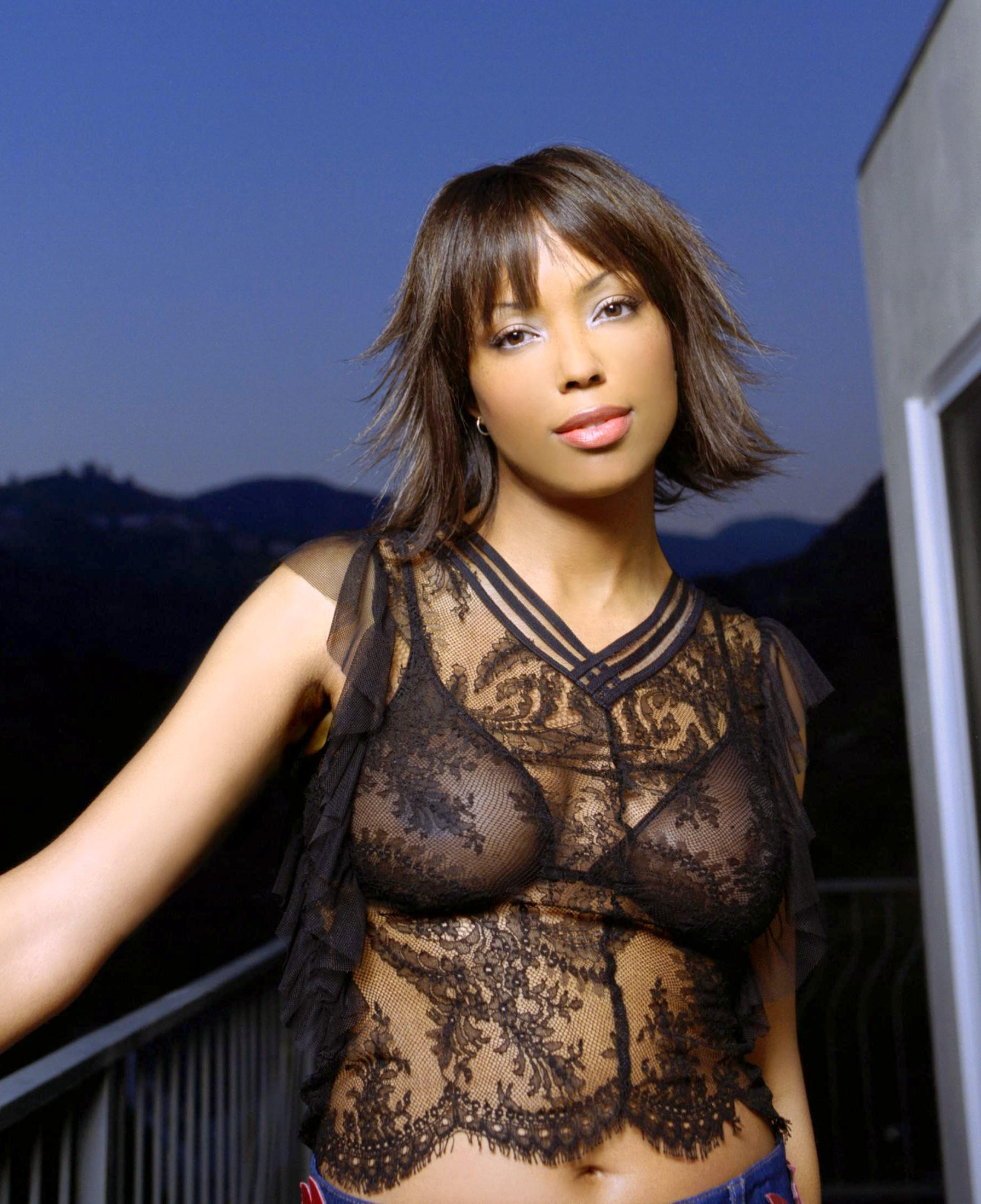 Aisha Tyler hot boobs