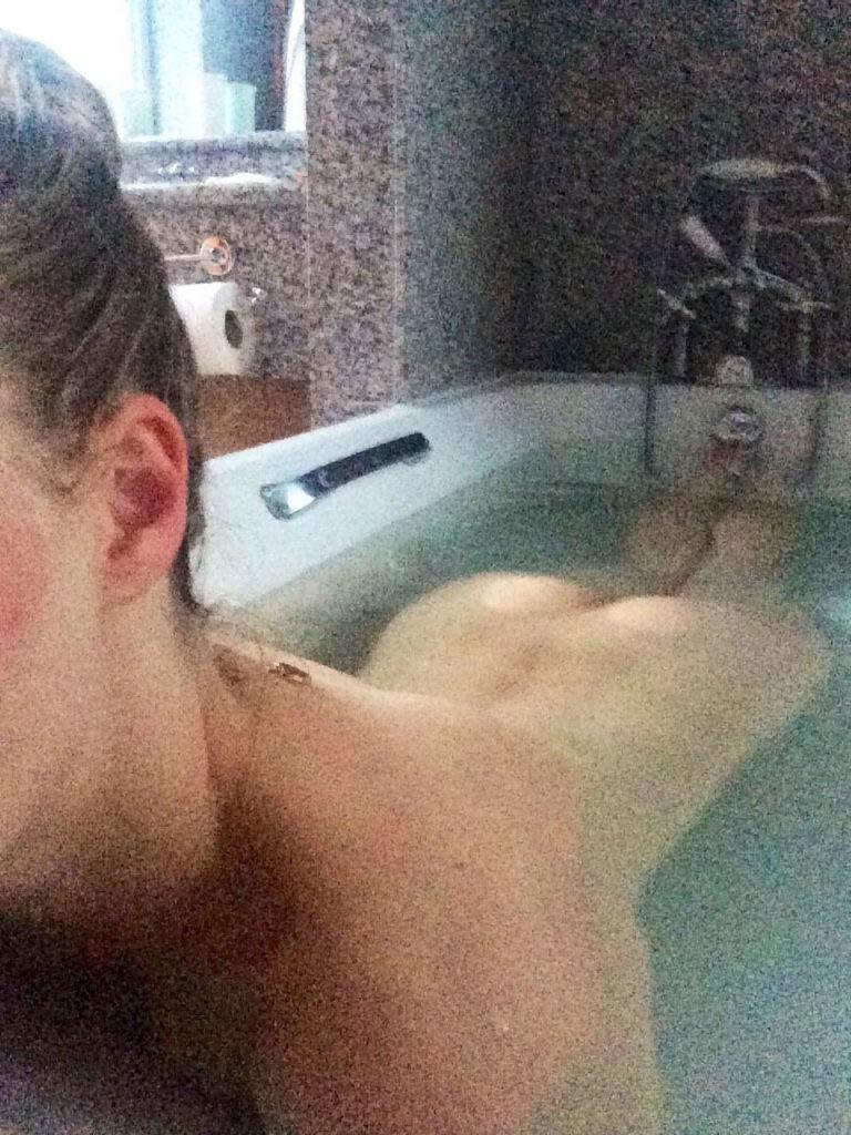 Amanda Seyfried sexy leaks