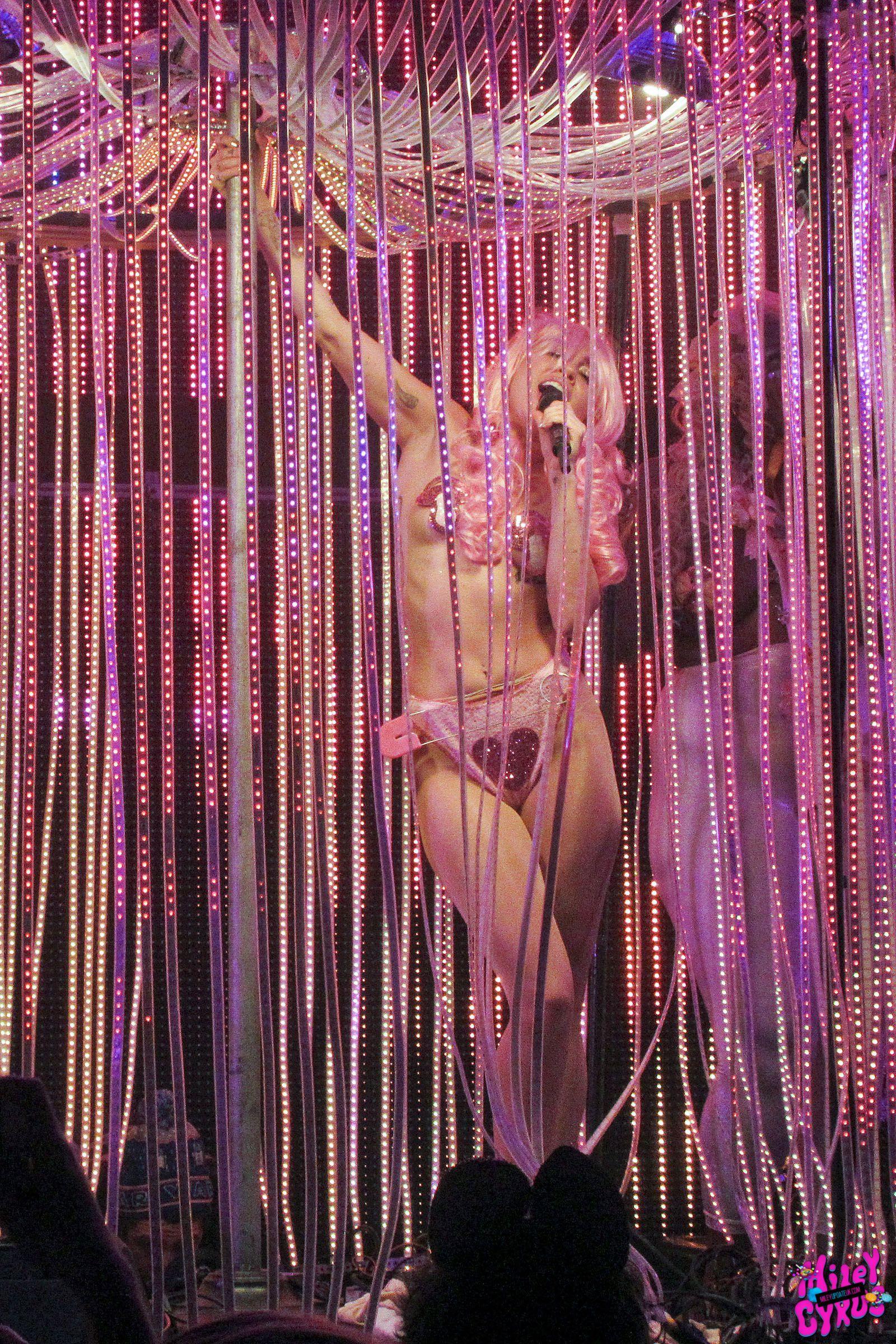 Miley Cyrus riding big cock