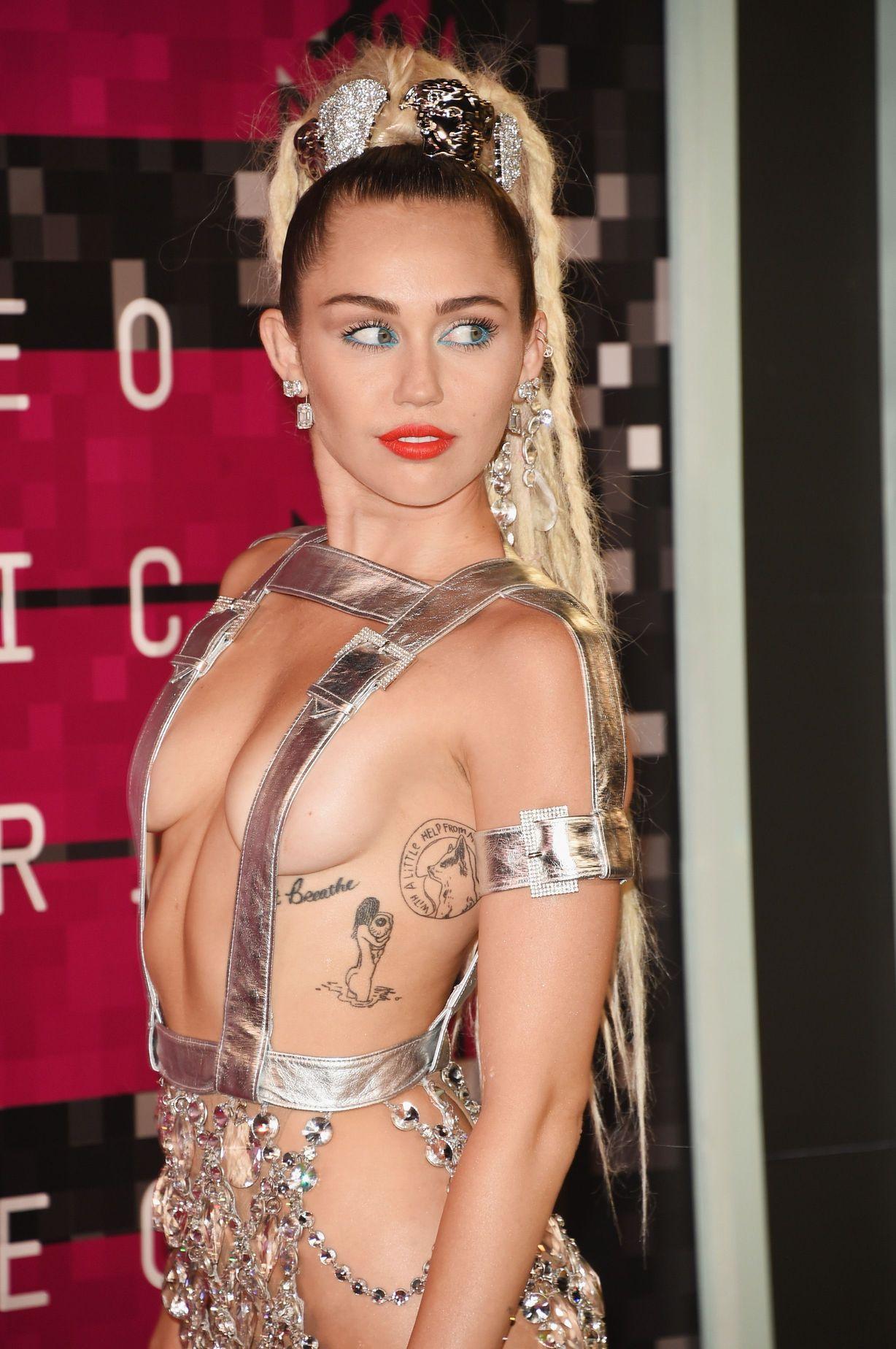 Miley Cyrus fappening leak